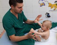 Детски рехабилитатор и кинезитерапевт Христо Спасов: Ползата от физически упражнения за бебетата (Гимнастика за бебета в най-ранна възраст)
